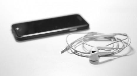listen-to-music-1072582_960_720